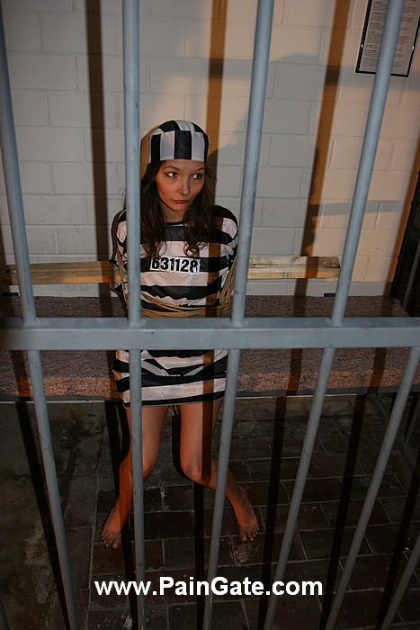 [性虐]☆|歐美│SM│系列|乖乖女警署受刑-1